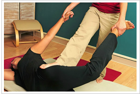 Susan Frikken performing Thai Yoga Massage